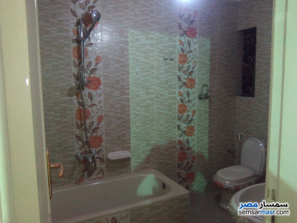 Photo 4 - Apartment 4 bedrooms 3 baths 230 sqm extra super lux For Sale Haram Giza