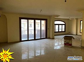 Ad Photo: Apartment 4 bedrooms 3 baths 204 sqm super lux in Maadi  Cairo