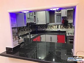 Apartment 3 bedrooms 1 bath 165 sqm extra super lux For Sale Mohandessin Giza - 17