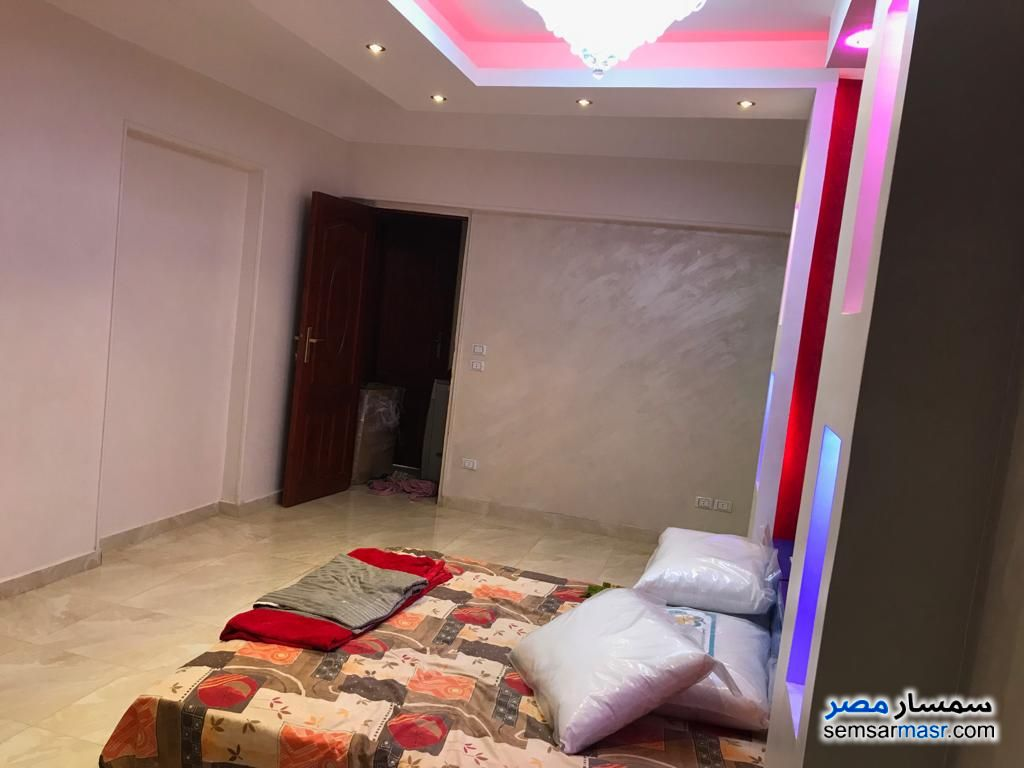 Photo 8 - Apartment 3 bedrooms 1 bath 165 sqm extra super lux For Sale Mohandessin Giza