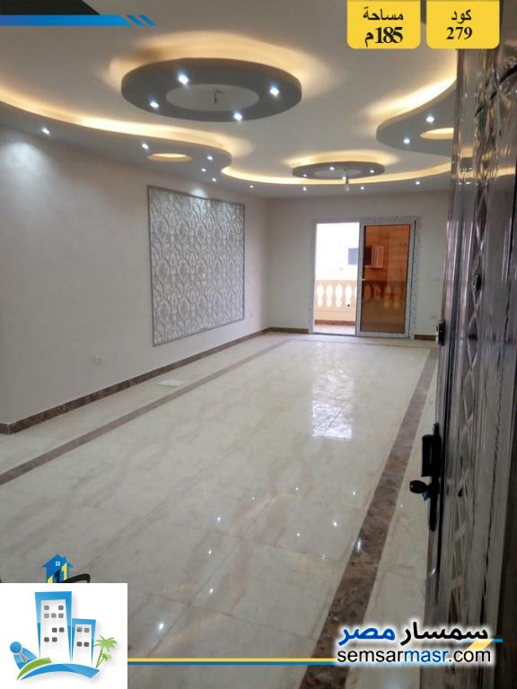 Ad Photo: Apartment 3 bedrooms 2 baths 185 sqm extra super lux in Hadayek Al Ahram  Giza
