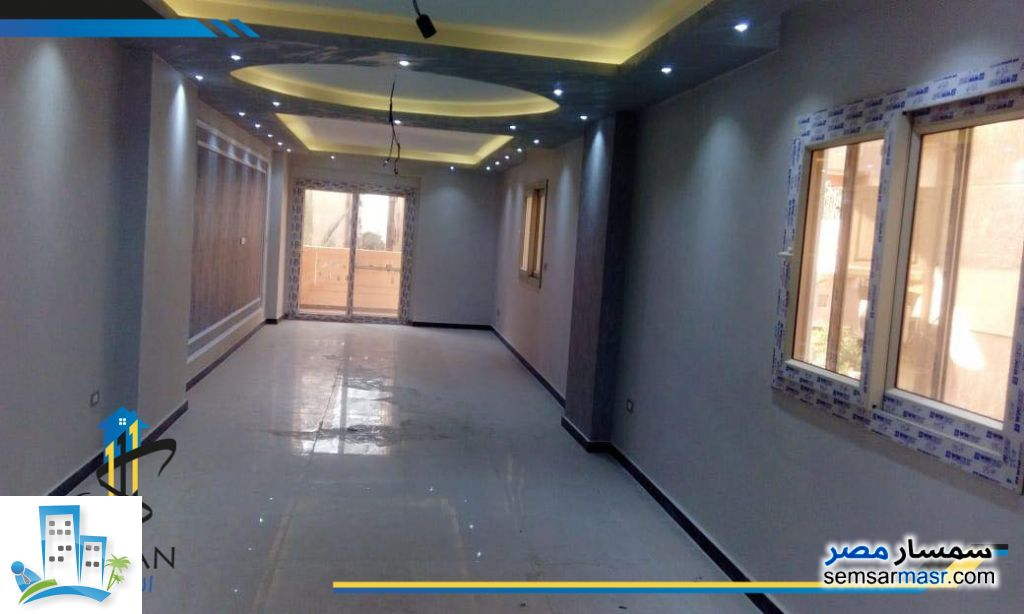 Photo 1 - Apartment 3 bedrooms 2 baths 190 sqm extra super lux For Sale Hadayek Al Ahram Giza