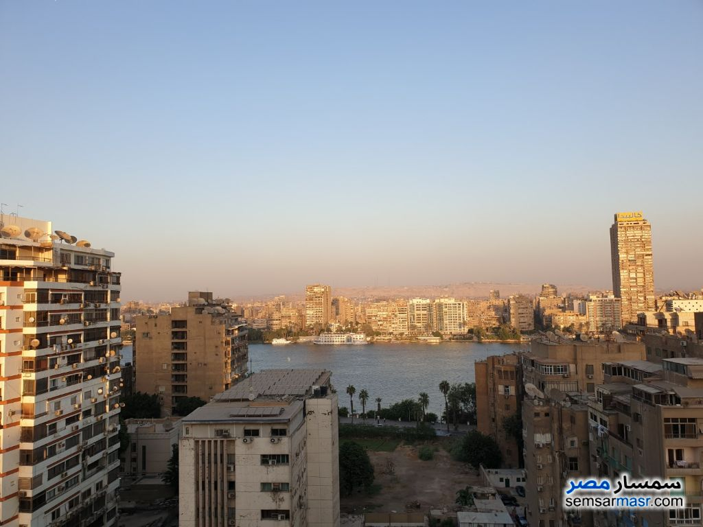 Ad Photo: Villa 3 bedrooms 2 baths 220 sqm extra super lux in Giza District  Giza