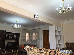Ad Photo: Apartment 3 bedrooms 2 baths 160 sqm super lux in Zamalek  Cairo