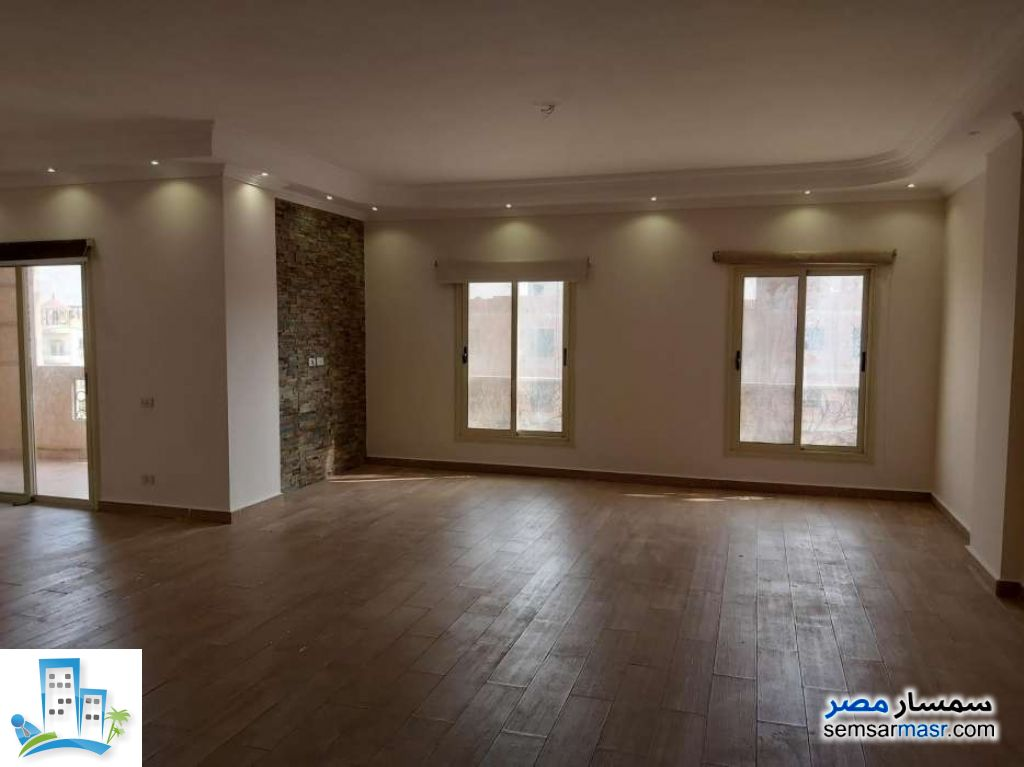 Ad Photo: Apartment 3 bedrooms 3 baths 215 sqm super lux in First Settlement  Cairo