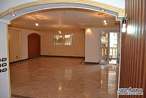 Ad Photo: Apartment 3 bedrooms 2 baths 135 sqm super lux in 15 May City  Cairo