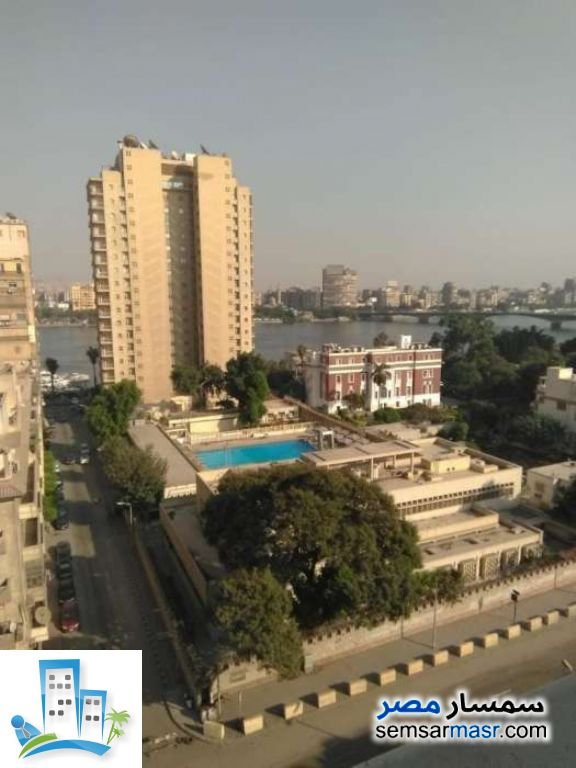 Ad Photo: Apartment 4 bedrooms 3 baths 340 sqm extra super lux in Giza District  Giza
