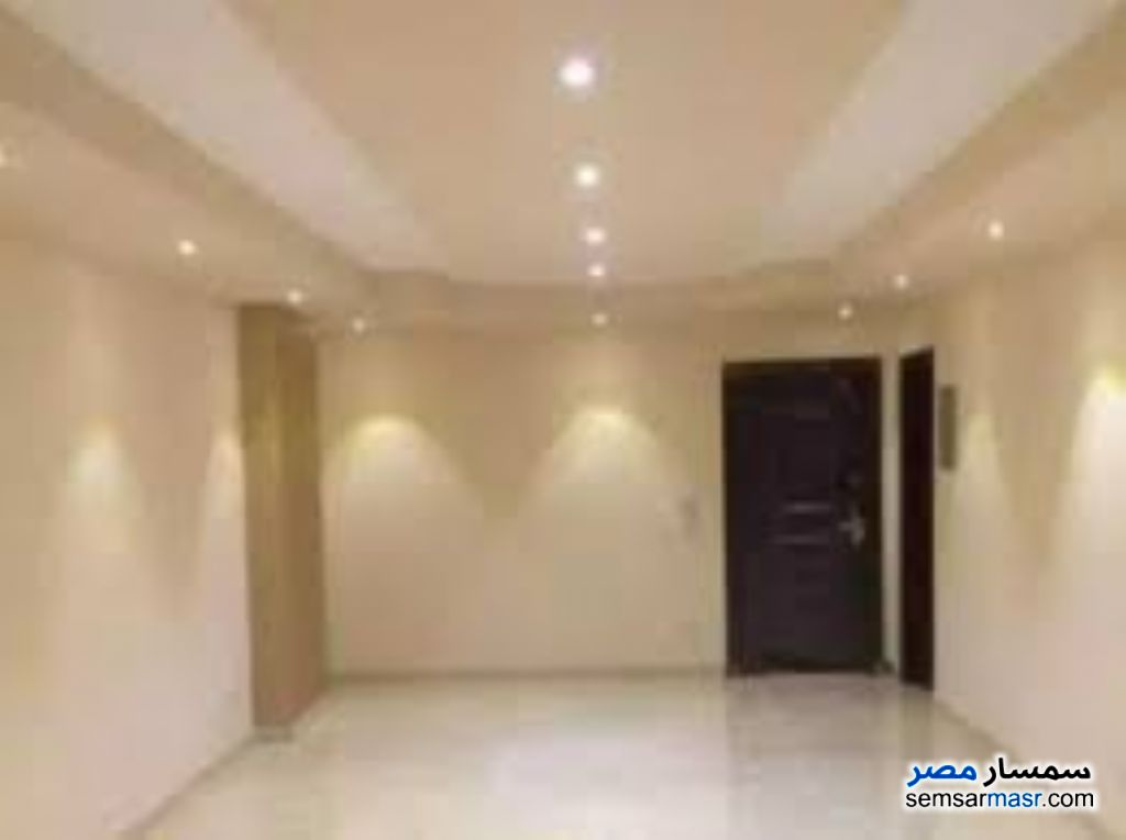 Photo 3 - Apartment 3 bedrooms 2 baths 170 sqm super lux For Rent Mohandessin Giza