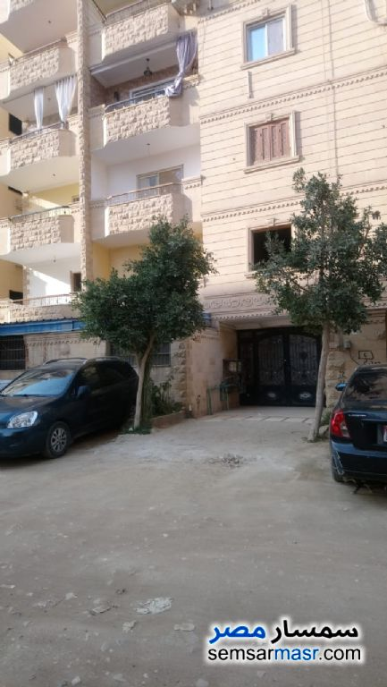 Photo 1 - Apartment 6 bedrooms 4 baths 240 sqm semi finished For Sale Hadayek Al Ahram Giza