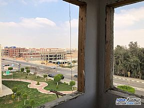 Ad Photo: Apartment 2 bedrooms 1 bath 82 sqm semi finished in Shorouk City  Cairo