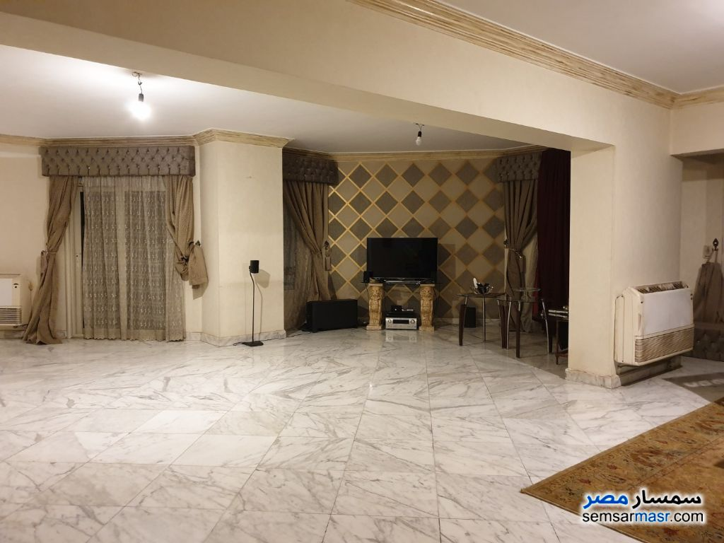 Photo 2 - Apartment 4 bedrooms 2 baths 240 sqm super lux For Rent Mohandessin Giza