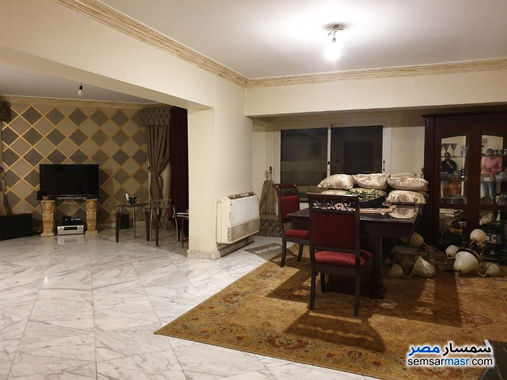 Photo 4 - Apartment 4 bedrooms 2 baths 240 sqm super lux For Rent Mohandessin Giza