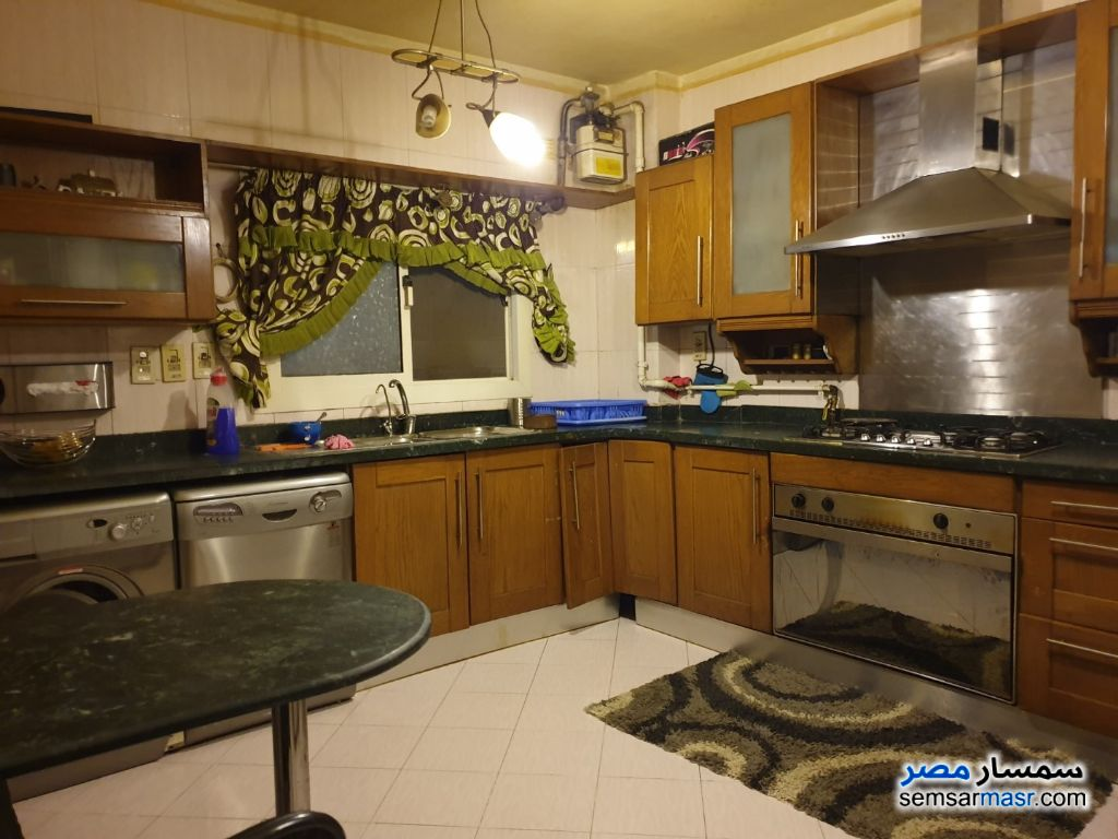 Photo 9 - Apartment 4 bedrooms 2 baths 240 sqm super lux For Rent Mohandessin Giza