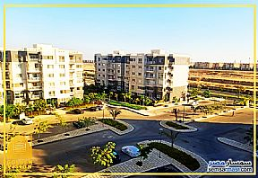 Ad Photo: Apartment 3 bedrooms 2 baths 141 sqm extra super lux in Madinaty  Cairo