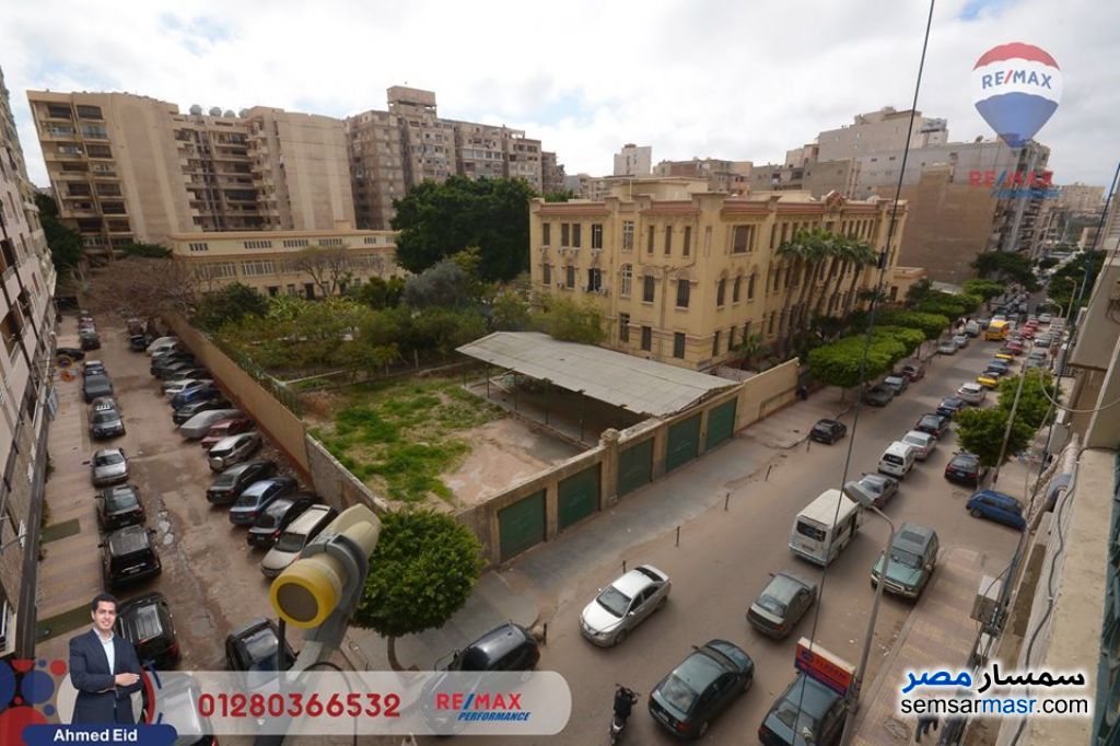 Ad Photo: Apartment 3 bedrooms 2 baths 200 sqm extra super lux in Egypt
