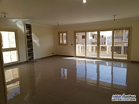 Ad Photo: Apartment 3 bedrooms 2 baths 200 sqm extra super lux in El Motamayez District  6th of October