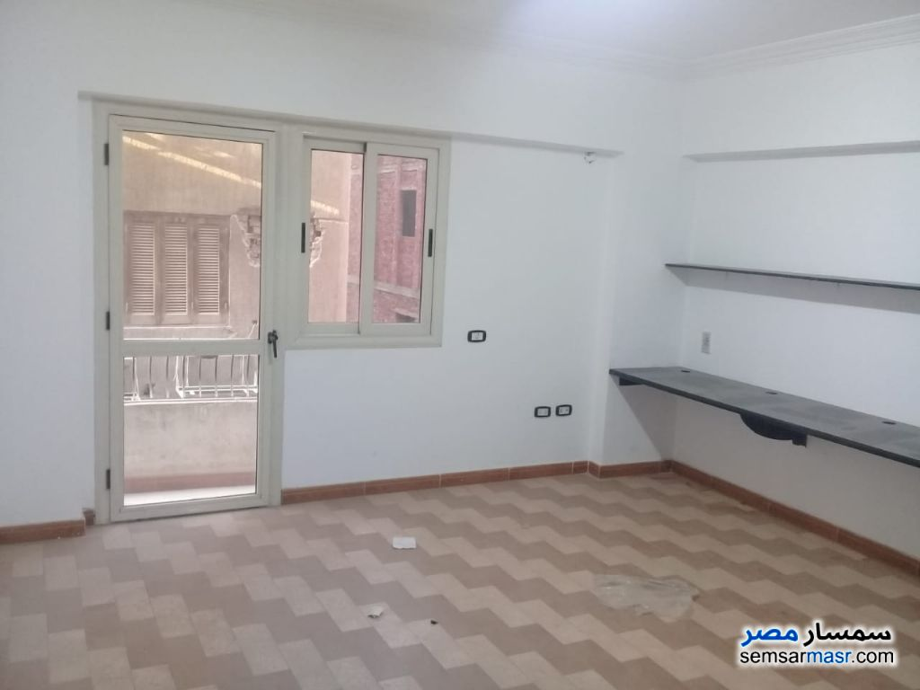 Photo 1 - Apartment 5 bedrooms 2 baths 220 sqm extra super lux For Rent Maadi Cairo