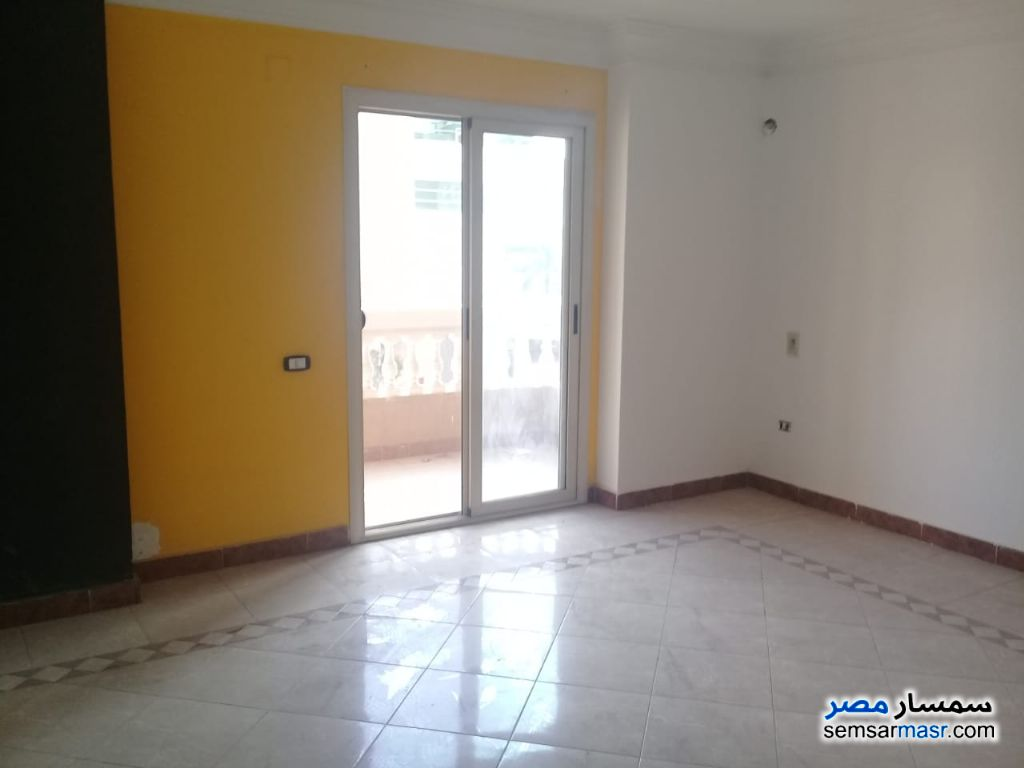 Photo 4 - Apartment 5 bedrooms 2 baths 220 sqm extra super lux For Rent Maadi Cairo