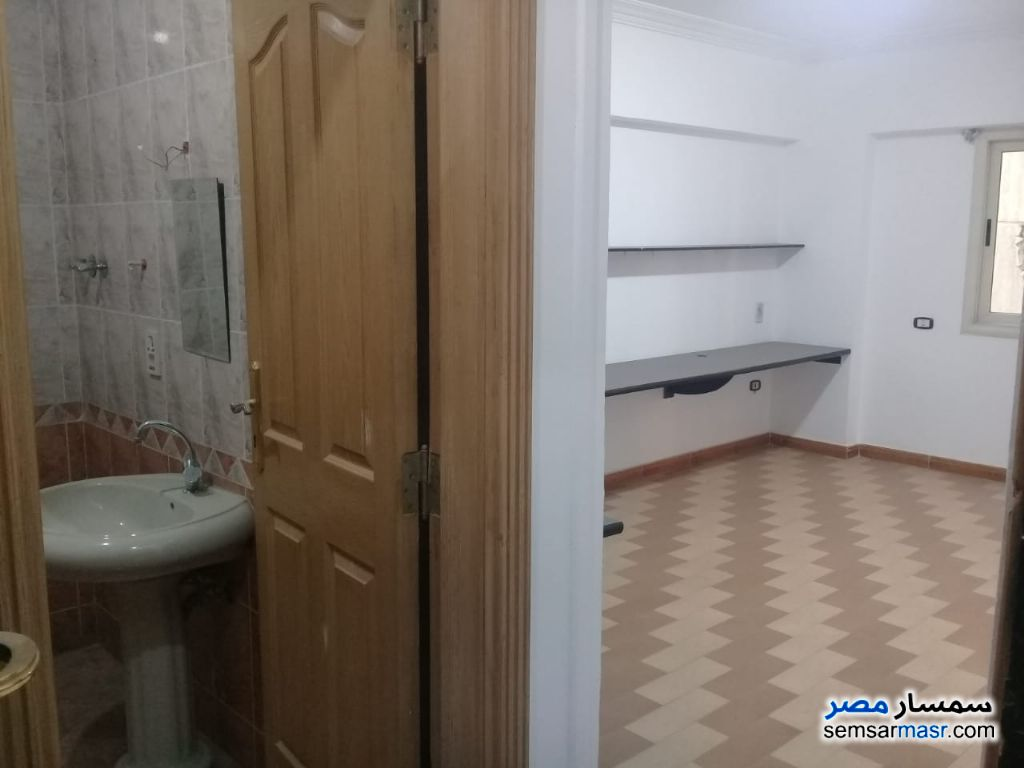 Photo 5 - Apartment 5 bedrooms 2 baths 220 sqm extra super lux For Rent Maadi Cairo