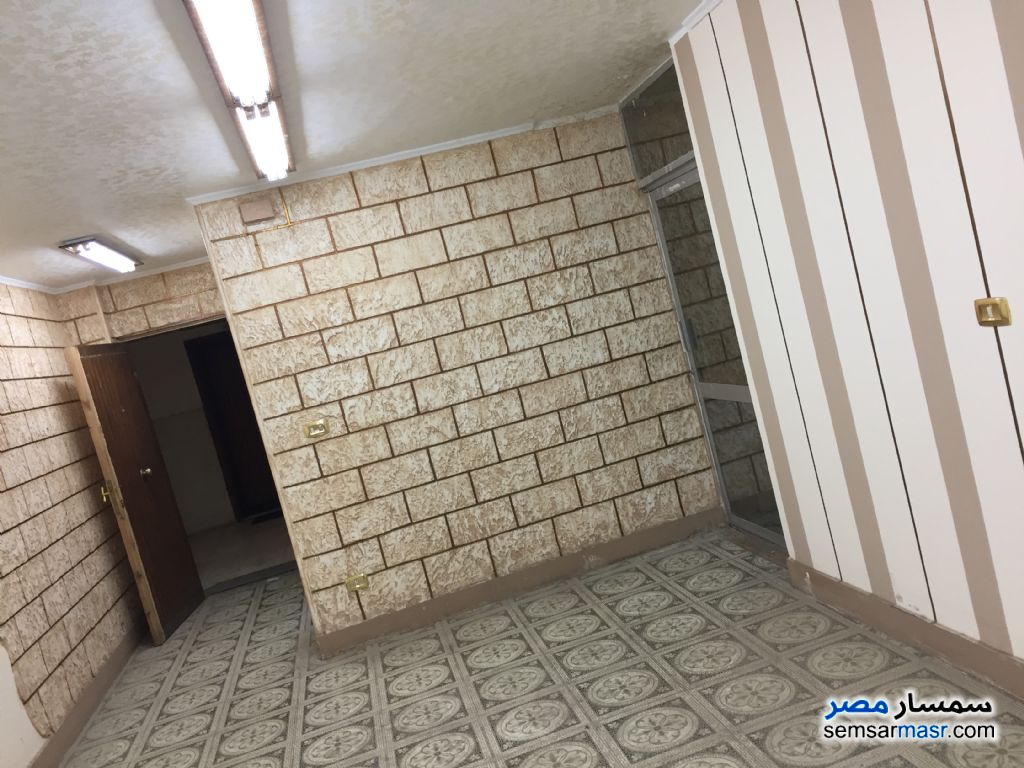 Photo 1 - 3 bedrooms 2 baths 152 sqm For Rent Mohandessin Giza