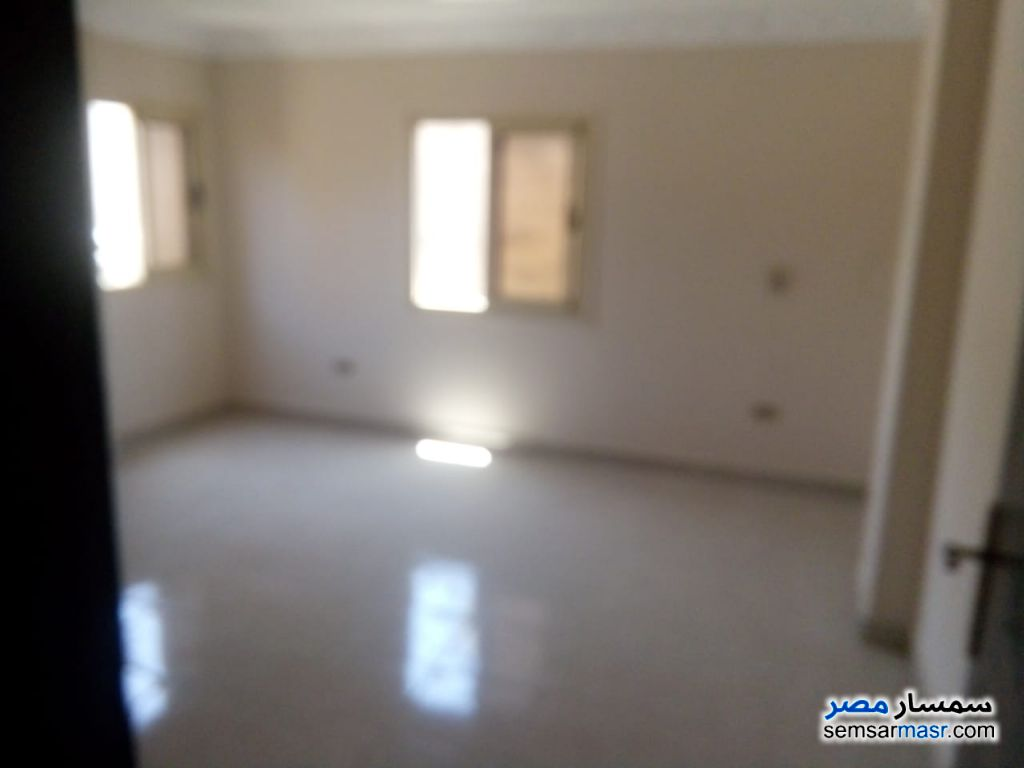 Photo 2 - Apartment 3 bedrooms 1 bath 160 sqm extra super lux For Rent New Nozha Cairo