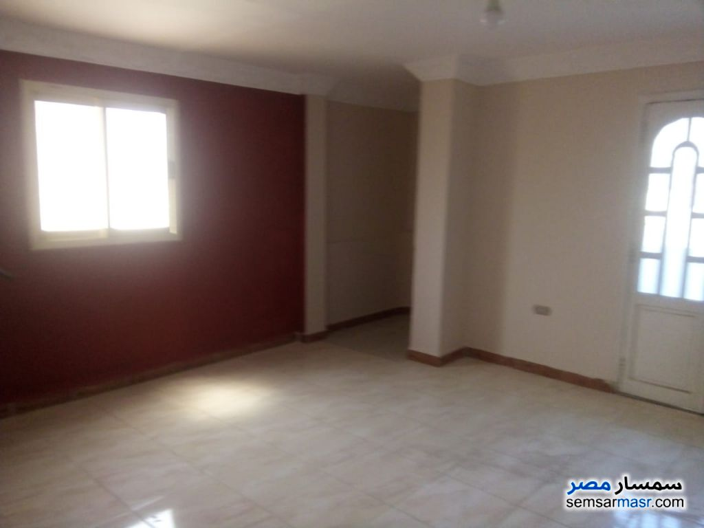 Photo 3 - Apartment 3 bedrooms 1 bath 160 sqm extra super lux For Rent New Nozha Cairo