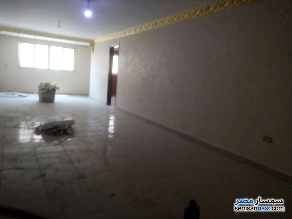 Photo 7 - Apartment 3 bedrooms 1 bath 160 sqm extra super lux For Rent New Nozha Cairo