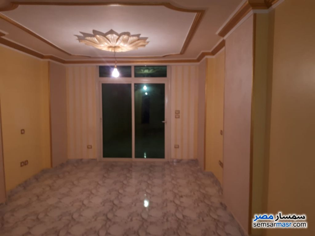 Photo 2 - Apartment 3 bedrooms 2 baths 150 sqm extra super lux For Rent Haram Giza