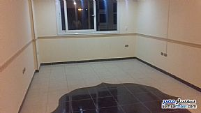 Ad Photo: Apartment 2 bedrooms 1 bath 97 sqm super lux in Mohandessin  Giza