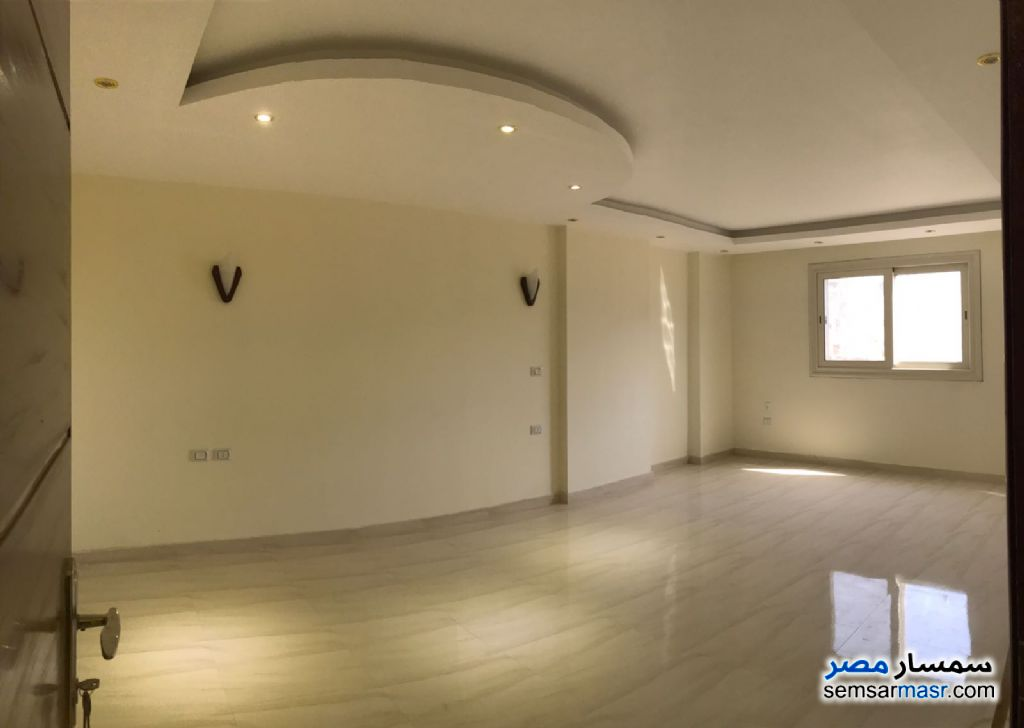 Photo 4 - Apartment 3 bedrooms 4 baths 250 sqm extra super lux For Rent Dokki Giza