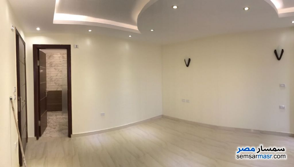 Photo 5 - Apartment 3 bedrooms 4 baths 250 sqm extra super lux For Rent Dokki Giza