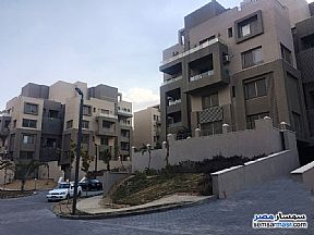 Ad Photo: Apartment 2 bedrooms 2 baths 150 sqm extra super lux in Fifth Settlement  Cairo