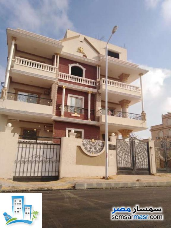 Ad Photo: Apartment 3 bedrooms 3 baths 200 sqm in Shorouk City  Cairo