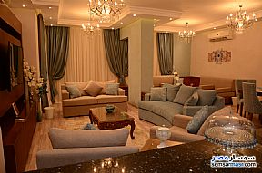 Ad Photo: Apartment 3 bedrooms 2 baths 175 sqm extra super lux in Mohandessin  Giza
