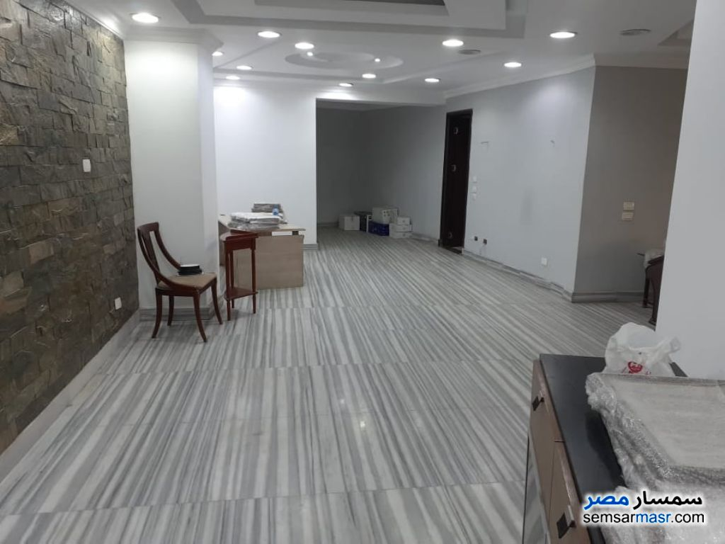 Ad Photo: Commercial 350 sqm in Zamalek  Cairo