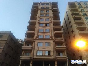Ad Photo: Apartment 3 bedrooms 3 baths 270 sqm semi finished in Mohandessin  Giza