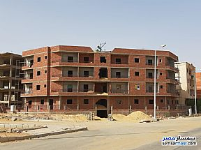 Ad Photo: Apartment 2 bedrooms 1 bath 130 sqm semi finished in Shorouk City  Cairo