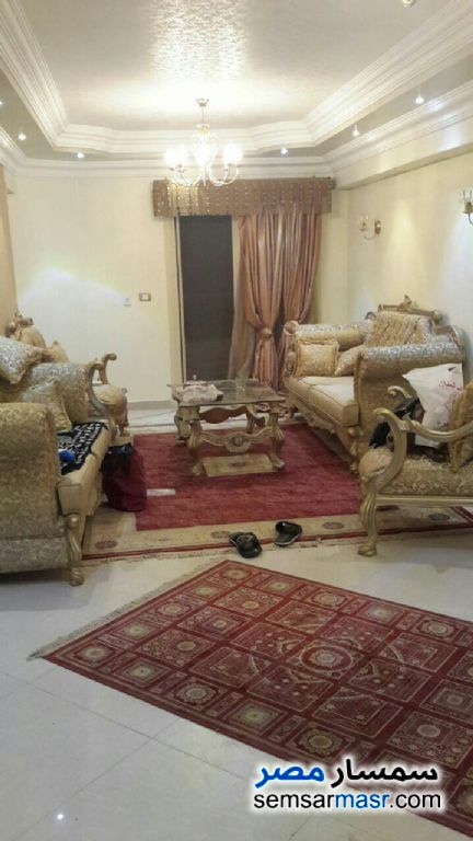 Photo 1 - Apartment 3 bedrooms 1 bath 155 sqm super lux For Sale Zeitoun Cairo