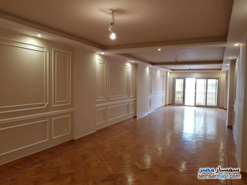 Ad Photo: Apartment 3 bedrooms 3 baths 242 sqm extra super lux in Roshdy  Alexandira