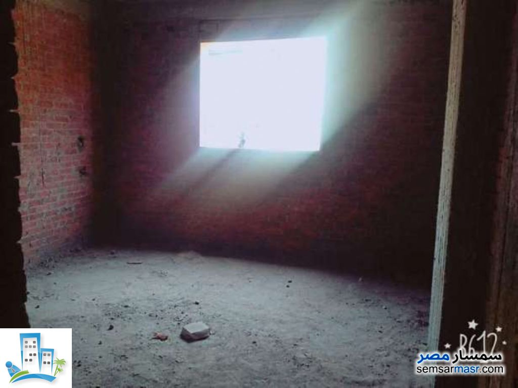 Ad Photo: Apartment 3 bedrooms 2 baths 135 sqm without finish in Faisal  Giza