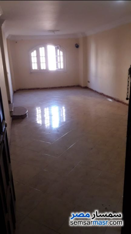 Ad Photo: Apartment 3 bedrooms 2 baths 140 sqm super lux in Giza