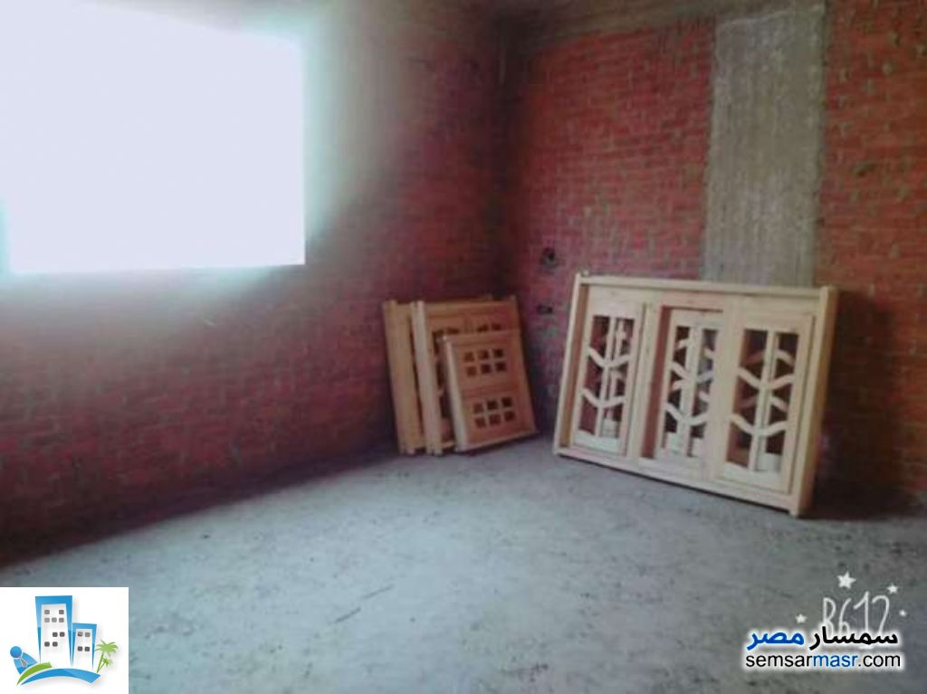 Ad Photo: Apartment 3 bedrooms 2 baths 150 sqm without finish in Giza