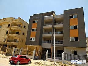 Ad Photo: Apartment 3 bedrooms 2 baths 157 sqm semi finished in Shorouk City  Cairo