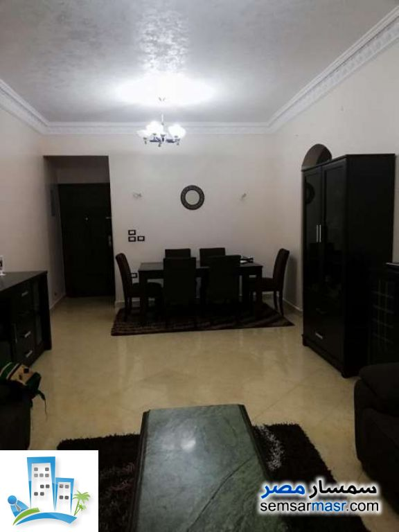 Ad Photo: Apartment 3 bedrooms 1 bath 140 sqm in Shorouk City  Cairo