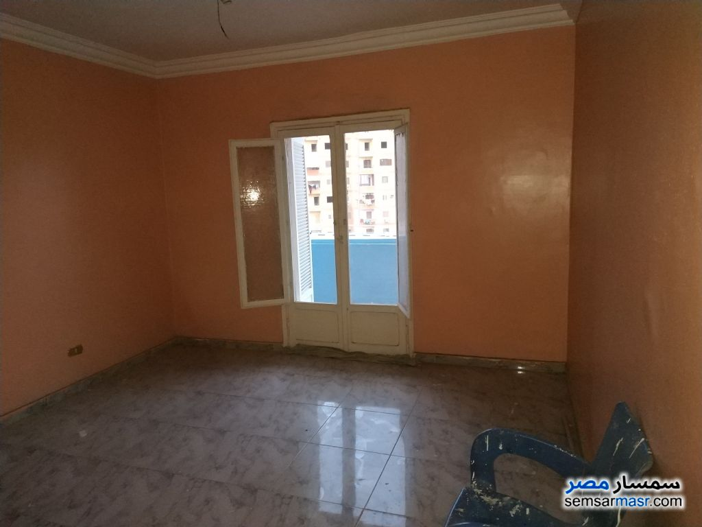 Photo 2 - Apartment 2 bedrooms 1 bath 100 sqm super lux For Sale Izbat An Nakhl Cairo