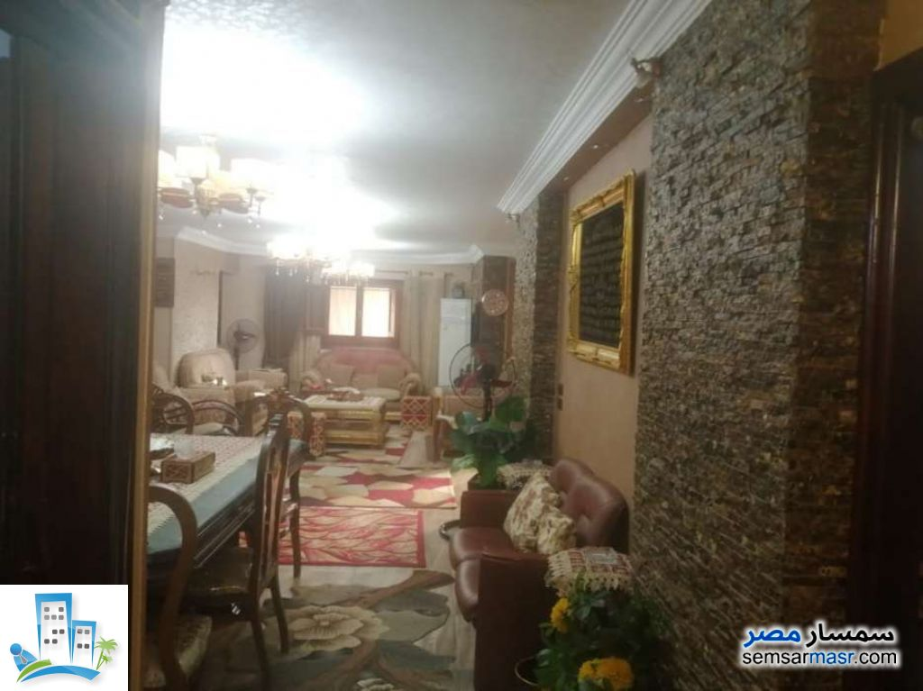 Ad Photo: Apartment 3 bedrooms 2 baths 220 sqm extra super lux in Ain Shams  Cairo