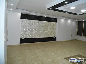 Apartment 3 bedrooms 2 baths 235 sqm extra super lux For Sale Mohandessin Giza - 4