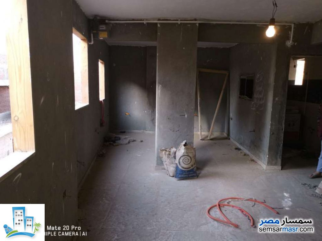 Ad Photo: Apartment 2 bedrooms 1 bath 100 sqm lux in Hadayek Helwan  Cairo