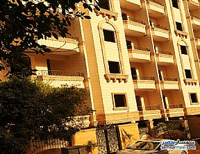 Ad Photo: Apartment 3 bedrooms 3 baths 123 sqm semi finished in Hadayek Al Ahram  Giza