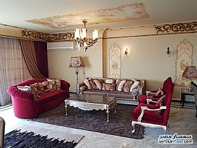 Ad Photo: Apartment 4 bedrooms 3 baths 250 sqm extra super lux in Shubra  Cairo